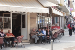 the full cafes - all men, not a single woman