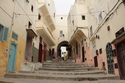 pretty wide for medina